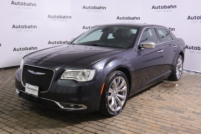 Pre-Owned 2017 Chrysler 300C