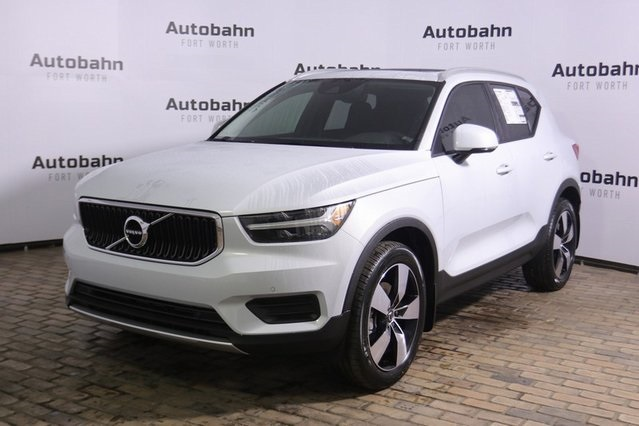 Pre-Owned 2020 Volvo XC40 Momentum