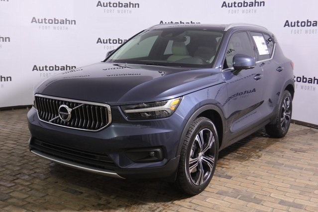 New 2020 Volvo XC40 T4 Inscription